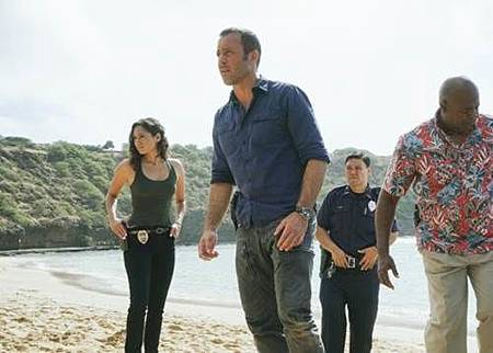Hawaii Five-0 9x1 (7).jpg