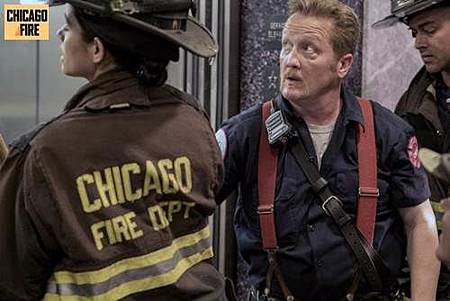 Chicago Fire 7x1 (8).jpg