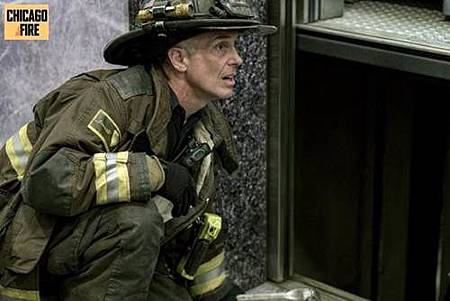 Chicago Fire 7x1 (9).jpg