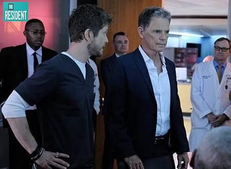 The Resident 2x1 (5).jpg