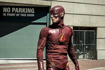The Flash  5x1 (14).jpg