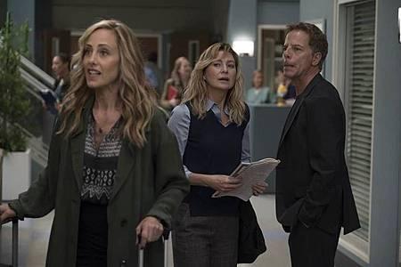 Grey's Anatomy 15×1 (1).jpg