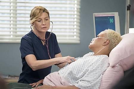 Grey's Anatomy 15×1 (3).jpg