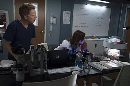 Grey's Anatomy 15×1  (18).jpg