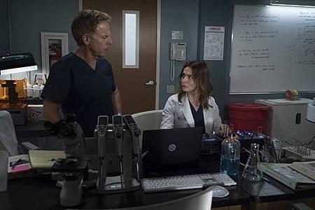 Grey's Anatomy 15×1  (22).jpg