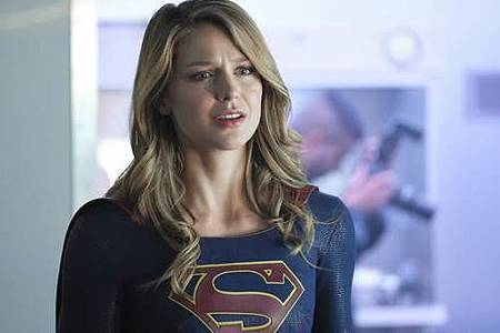 Supergirl 4x1 (16).jpg