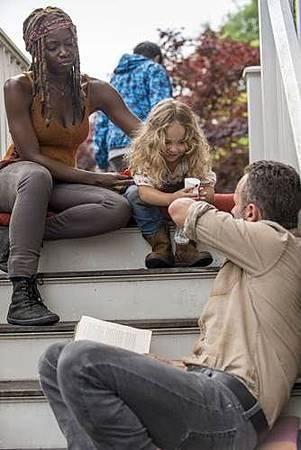 The Walking Dead 9x1 (2).jpg