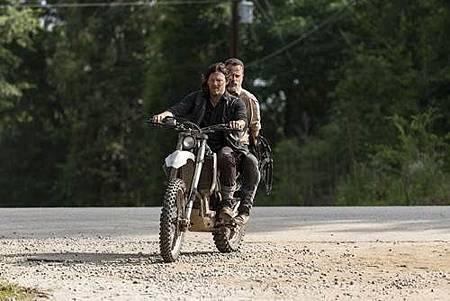 The Walking Dead 9x1 (4).jpg