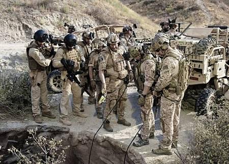 SEAL Team 2x02-09.jpg