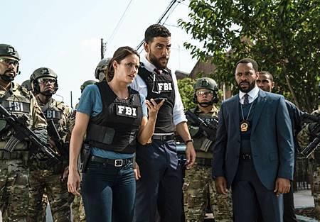 FBI 1×4 (4).jpg