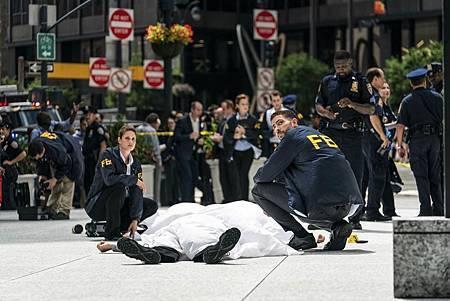 FBI 1×4 (11).jpg