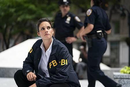 FBI 1×4 (12).jpg
