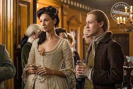 Outlander S04 (36).jpg