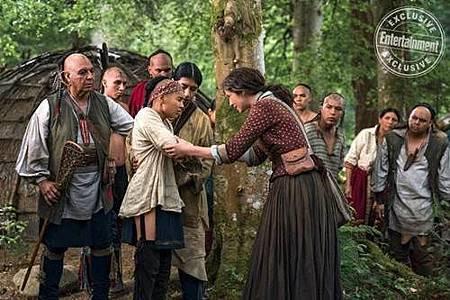 Outlander S04 (39).jpg