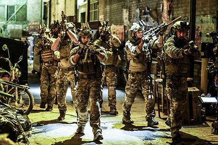 SEAL Team 2x04-04.jpg