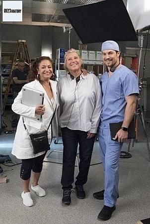 Grey's Anatomy 15x8 (21).jpg