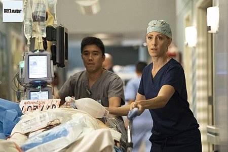 Grey's Anatomy 15x8 (31).jpg