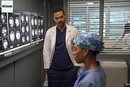 Grey's Anatomy 15x8 (36).jpg