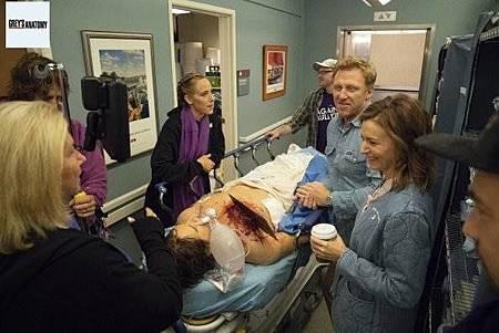 Grey's Anatomy 15x8 (37).jpg