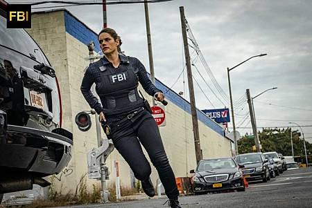 FBI 1×7 (13).jpg