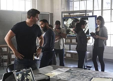 SEAL Team 2x08-01.jpg