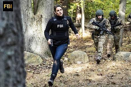 FBI 1×8 (15).jpg