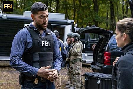 FBI 1×8 (2).jpg