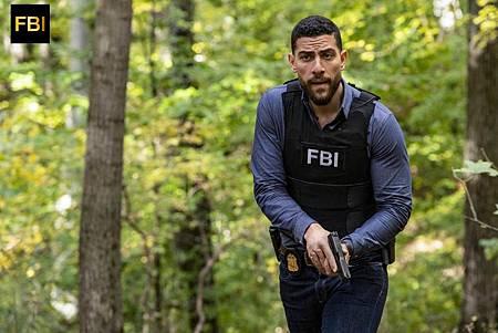 FBI 1×8 (8).jpg