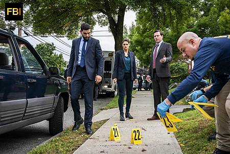 FBI 1×9 (11).jpg
