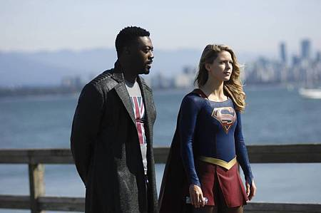 Supergirl 4x7 (7).jpg
