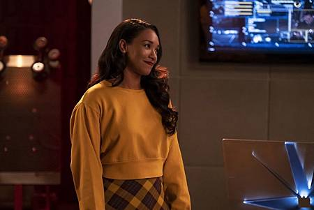 The Flash  5x8 (100th) (5).jpg