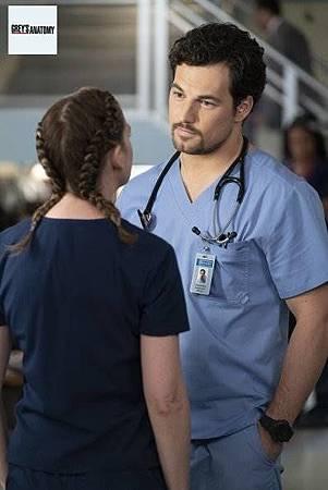 Grey's Anatomy 15x9 (11).jpg