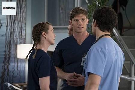 Grey's Anatomy 15x9 (12).jpg