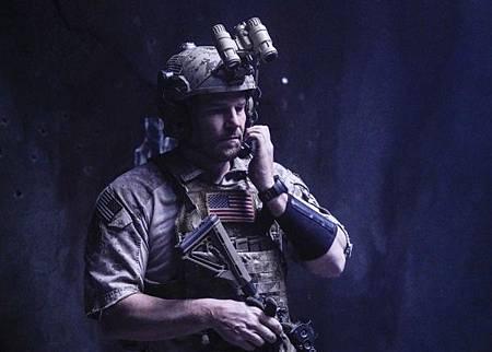 SEAL Team 2x12-01.jpg