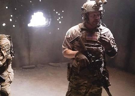 SEAL Team 2x12-02.jpg
