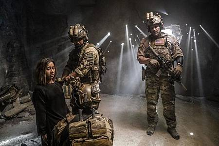 SEAL Team 2x12-03.jpg