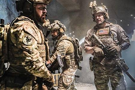 SEAL Team 2x12-04.jpg