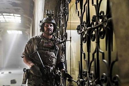 SEAL Team 2x12-08.jpg