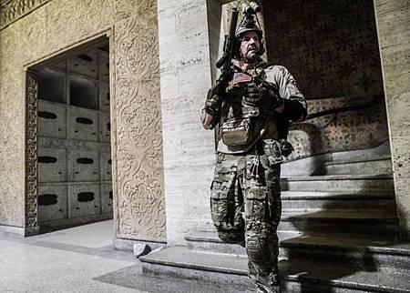 SEAL Team 2x12-09.jpg