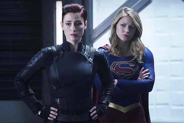 Supergirl 4x10 (1).jpg