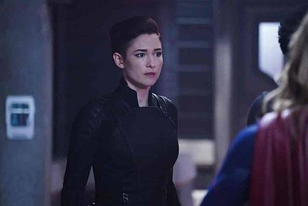 Supergirl 4x10 (9).jpg