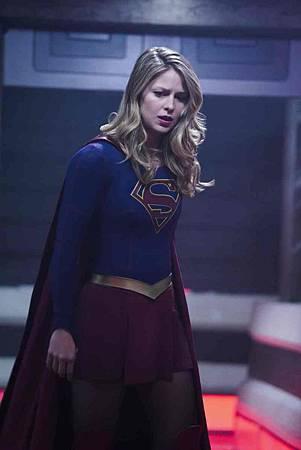 Supergirl 4x10 (10).jpg