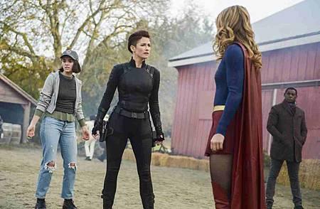 Supergirl 4x11 (17).jpg