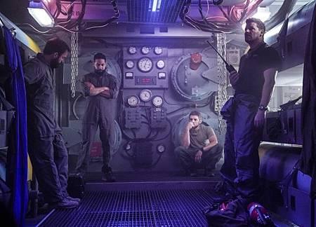 SEAL Team 2x13-01.jpg