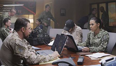 SEAL Team 2x13-05.jpg