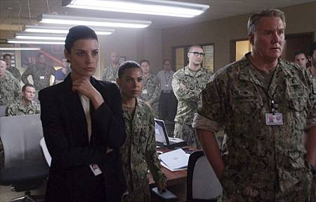 SEAL Team 2x13-09.jpg