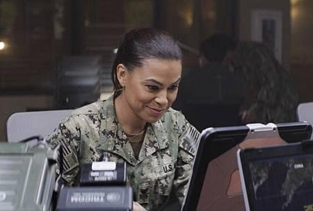 SEAL Team 2x13-10.jpg