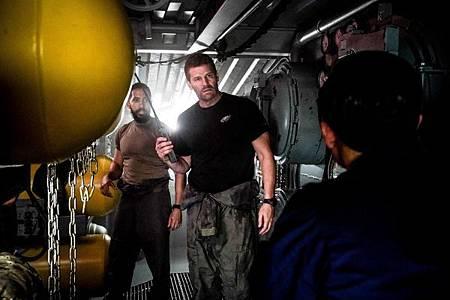 SEAL Team 2x13-17.jpg