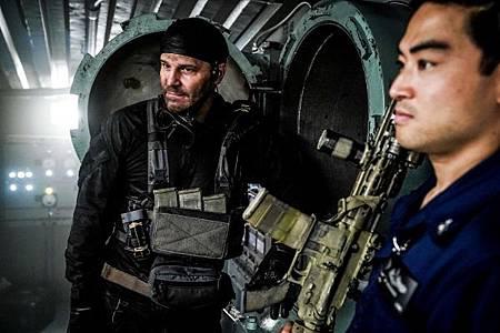 SEAL Team 2x13-18.jpg
