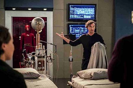 The Flash  5x12 (4).jpg